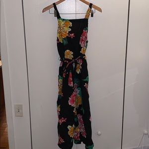 Jumpsuit with floral print and tie waist
